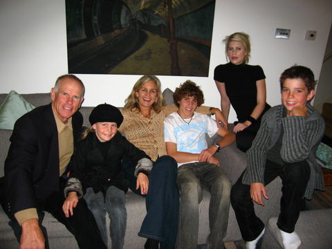 Peter with daughter Lily-Louise, wife Yvonne, and George, Amelia and Alexander in London, 2008.  The family were in London to attend the Queen's Thanksgiving Service for the life of Sir Edmund Hillary at St George's Chapel, Windsor Castle.