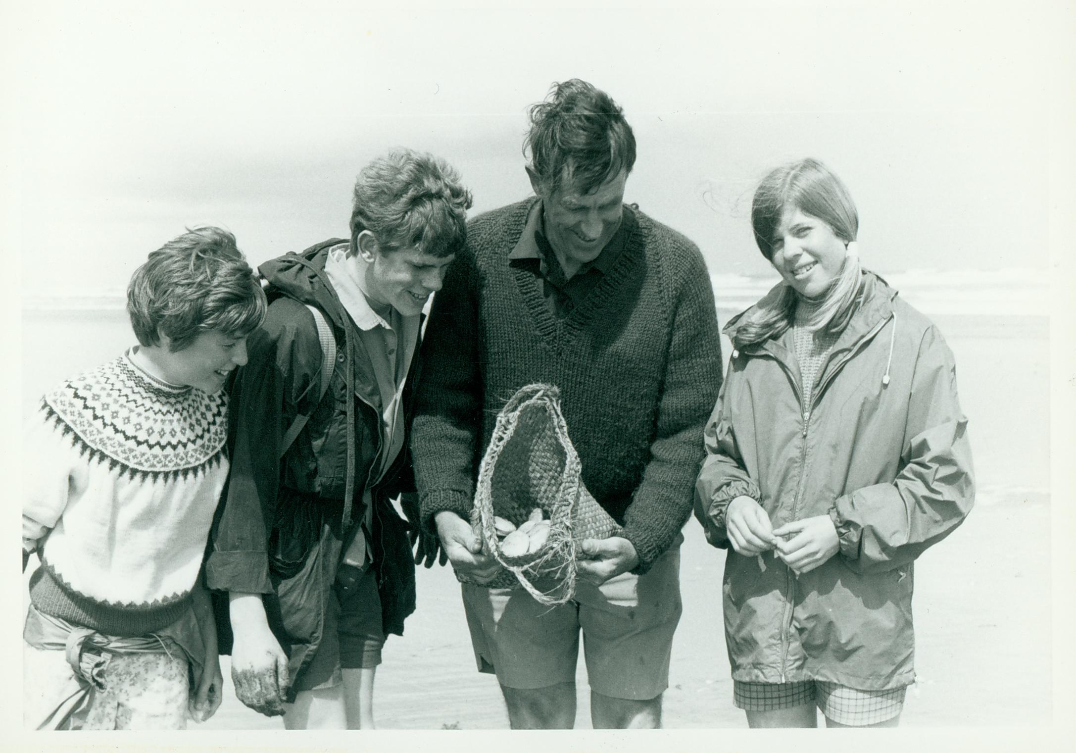 Belinda, Peter, Ed & Sarah Hillary on the beach in Northland,  NZ c.1970